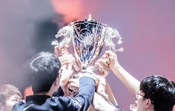 2021LPL夏季赛总决赛落幕,EDG捧起全新银龙杯!