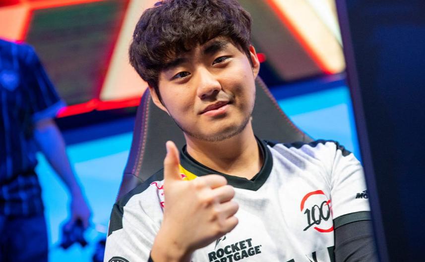 Faker第一 Uzi第七!韩网评选历史Top10选手  第6张
